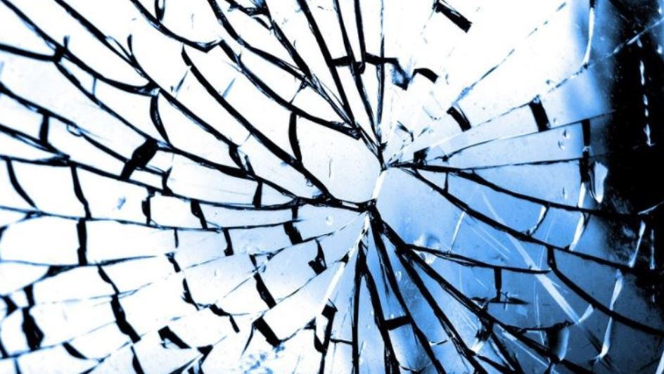 Dream of broken glass: Meaning and Interpretation